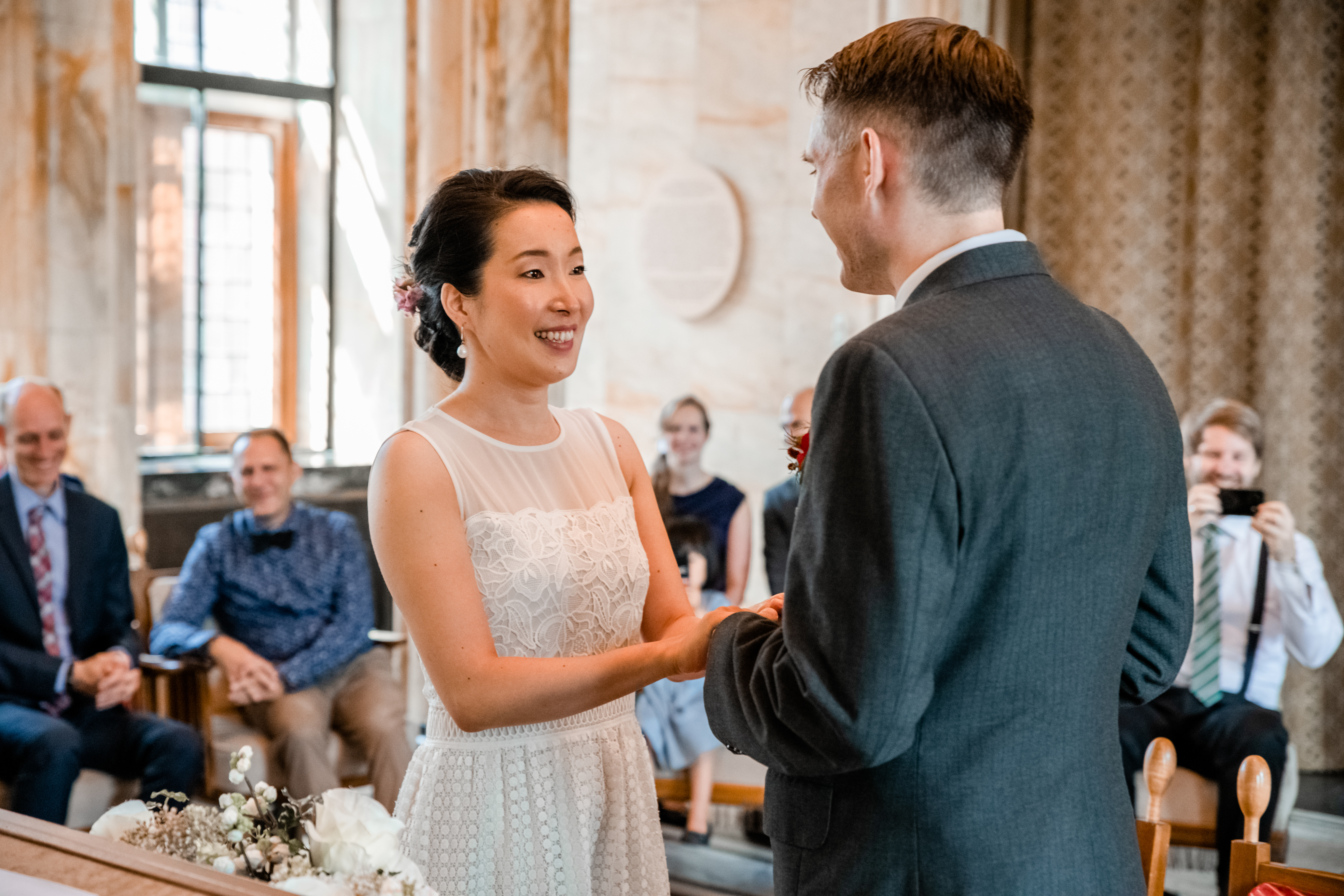 foto's bruiloft stadhuis Leiden
